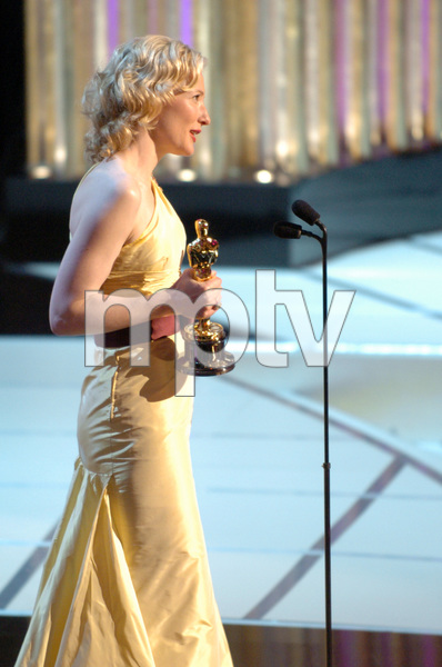 Cate Blanchett accepts the Academy Award for Best Actress during the 77th Annual Academy Awards at the Kodak Theatre in Hollywood, CA on Sunday, February 27, 2005.  HO/AMPAS - Image 22270_0266