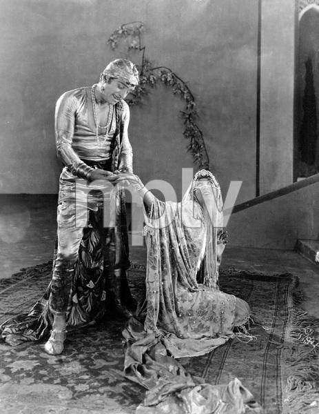 THIEF OF BAGDAD, UNITED ARTISTS 1924, DOUGLAS FAIRBANKS, IV - Image 22340_0001