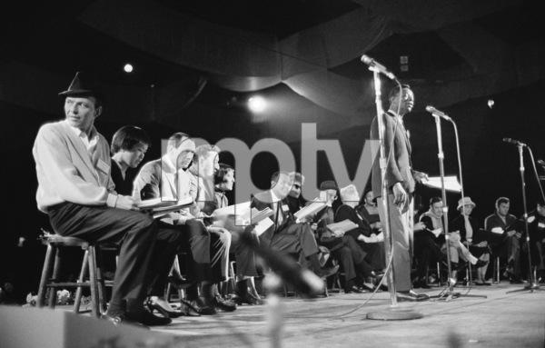 Frank Sinatra, Pat Suzuki, Joey Bishop, Louis Prima, Keely Smith, Harry Belafonte, Ethel Merman, Jimmy Durante, Ella Fitzgerald, Gene Kelly, Janet Leigh, Tony Curtis and Nat