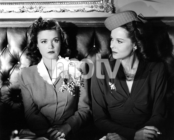 Jane Randolph, Simone Simon, CAT PEOPLE, RKO, 1942, I.V. - Image 22366_0009