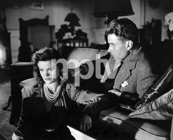 Kent Smith, Simone Simon, CAT PEOPLE, RKO, 1942, I.V. - Image 22366_0012