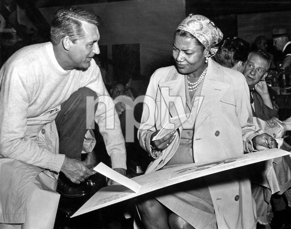 """""""THAT CERTAIN FEELING"""" Cary Grant visits Pearl Bailey on the set, PARAMOUNT, 1956, I.V. - Image 22727_0015"""