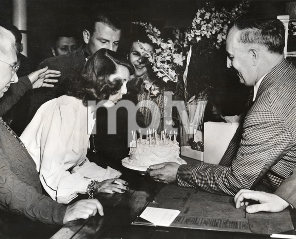 """Bette Davis celebrating her birthday and the movie premiere of """"The Great Lie""""1941 Warner Brothers** I.V. - Image 22727_0408"""