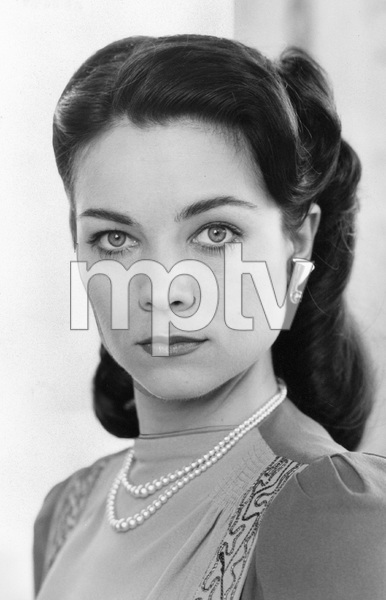 Theresa Russell, I.V. - Image 22727_0792