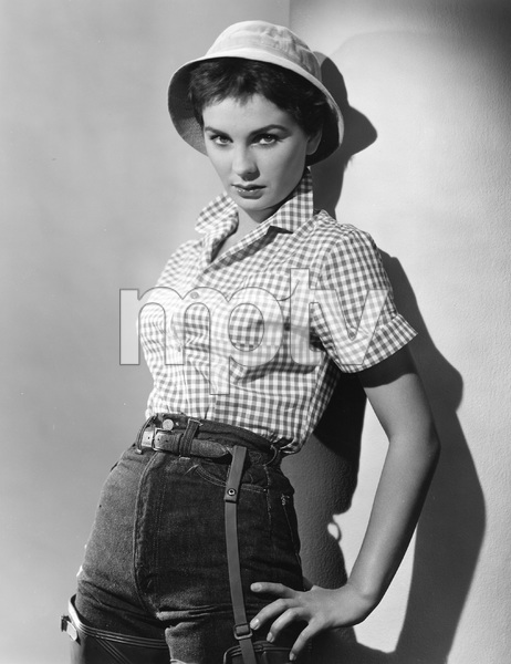"""BEAUTIFUL BUT DANGEROUS"" Jean Simmons, RKO, 1954, I.V. - Image 22727_0829"