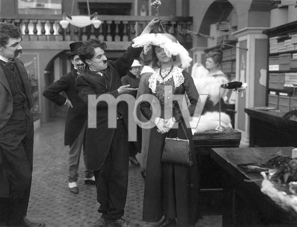 """""""The Floorwalker"""" (short) Charles Chaplin 1916 ** I.V. - Image 22727_1087"""