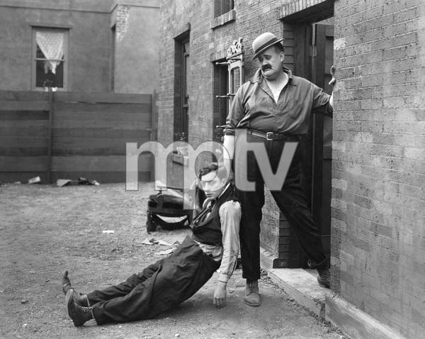 """NEIGHBORS"" (short) Metro, 1920, Buster Keaton - Image 22727_1189"