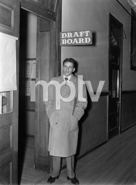 Frank Sinatra at the Draft Board, 1942, I.V. - Image 22727_1274