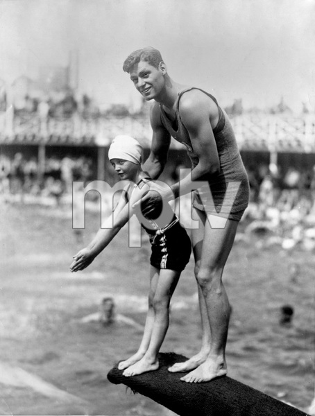 Johnny Weissmuller and 8 yr old Dorothy Mc Donald, 1926, I.V. - Image 22727_1304
