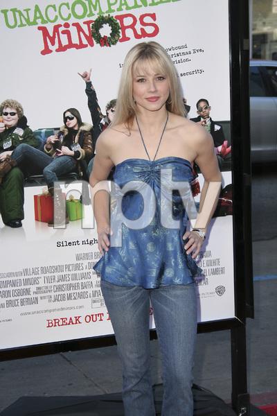 """""""Unaccompanied Minors"""" (Premiere) Linda Cardellini 12-2-2006 / Grauman"""