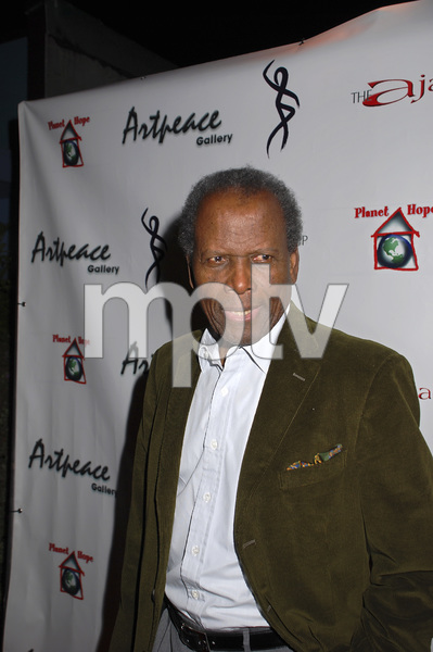 """""""The First Anniversary Celebration of Artpeace Gallery""""Sidney Poitier01-20-2007 / Artpeace Gallery / Burbank, CA / Photo by Andrew Howick - Image 22907_0003"""