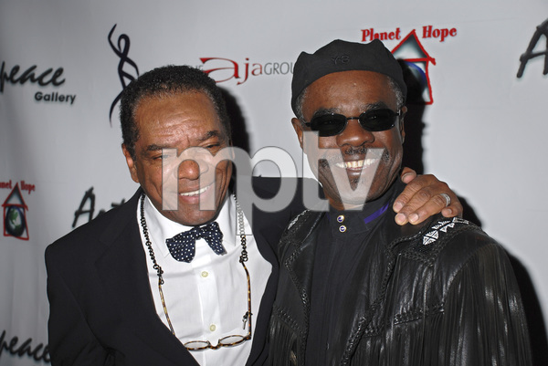 """""""The First Anniversary Celebration of Artpeace Gallery""""John Witherspoon, Glynn Turman01-20-2007 / Artpeace Gallery / Burbank, CA / Photo by Andrew Howick - Image 22907_0009"""