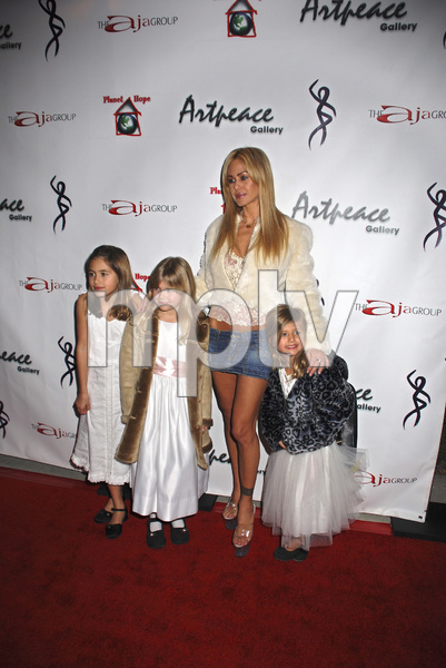 """The First Anniversary Celebration of Artpeace Gallery""Shauna Sand-Lamas with children Isabella, Alexandra and Victoria01-20-2007 / Artpeace Gallery / Burbank, CA / Photo by Andrew Howick - Image 22907_0033"