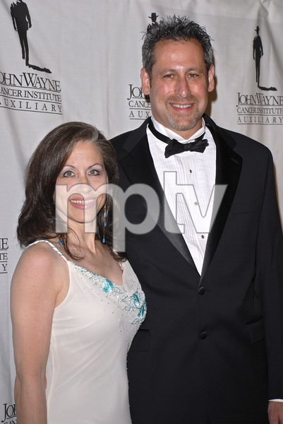"""""""The 22nd Annual Odyssey Ball benefiting the John Wayne Cancer Clinic""""Vicki Roberts and Arthur Andelson04-14-2007 / Beverly Hilton Hotel / Beverly Hills, CA / Photo by Andrew Howick - Image 22992_0006"""