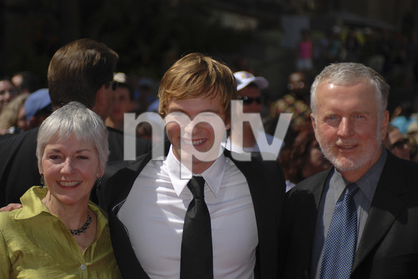"""""""The 34th Annual Daytime Emmy Awards""""Van Hansis 06-15-2007 / Kodak Theatre / Hollywood, CA / Photo by Andrew Howick - Image 23100_0039"""