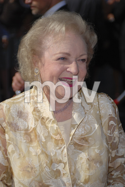 """The 34th Annual Daytime Emmy Awards""Betty White06-15-2007 / Kodak Theatre / Hollywood, CA / Photo by Andrew Howick - Image 23100_0187"