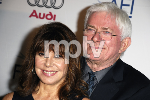 """""""Noise"""" (Premiere)Phil Donahue, Marlo Thomas 11-6-2007 / ArcLight Cinemas / Hollywood, CA / Seven Arts Pictures / Photo by Andrew Howick - Image 23233_0029"""