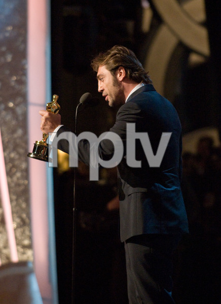 """""""Academy Awards - 80th Annual"""" (Telecast)Javier Bardem2-24-08Photo by Greg Harbaugh © 2008 A.M.P.A.S. - Image 23359_0140"""