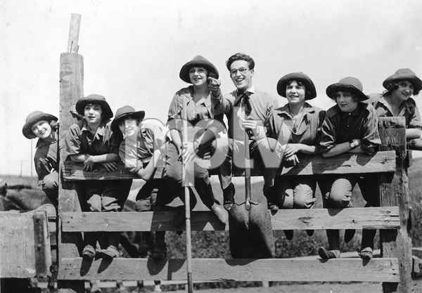 """CRACK YOUR HEALS""  Harold Lloyd, Bebe Daniels, Pathe-Rolin, 1919, I.V. - Image 23489_0001"