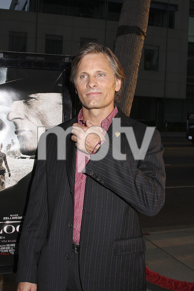 """Appaloosa"" PremiereViggo Mortensen 9-17-08 / The Academy Theatre / Beverly Hills, CA / New Line Cinema / Photo by Max Rodeo - Image 23611_0002"