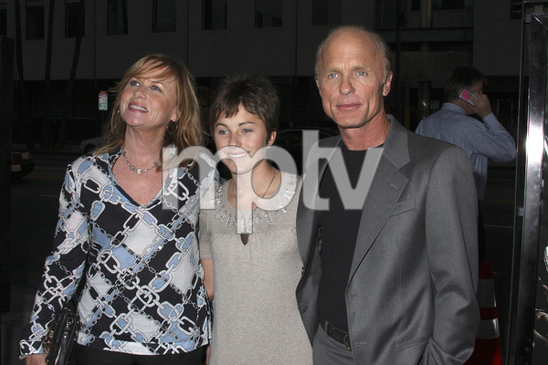 """""""Appaloosa"""" PremiereAmy Madigan, Lily Harris, Ed Harris 9-17-08 / The Academy Theatre / Beverly Hills, CA / New Line Cinema / Photo by Max Rodeo - Image 23611_0013"""