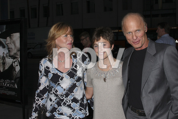 """Appaloosa"" PremiereAmy Madigan, Lily Harris, Ed Harris 9-17-08 / The Academy Theatre / Beverly Hills, CA / New Line Cinema / Photo by Max Rodeo - Image 23611_0014"