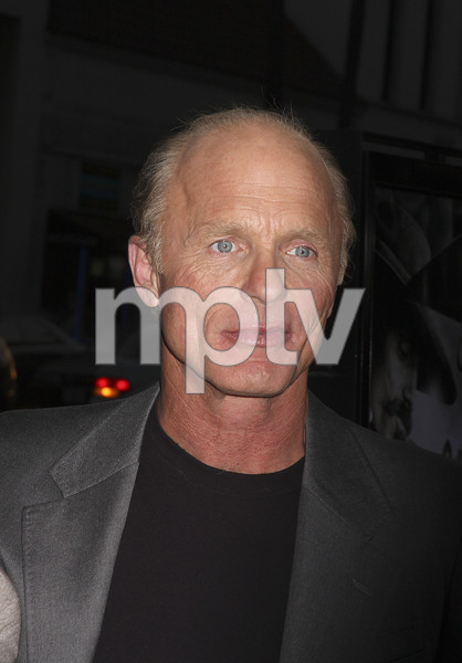 """""""Appaloosa"""" PremiereEd Harris 9-17-08 / The Academy Theatre / Beverly Hills, CA / New Line Cinema / Photo by Max Rodeo - Image 23611_0016"""