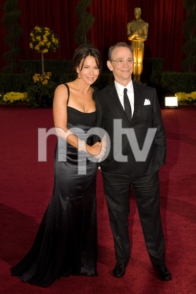 """""""The 81st Annual Academy Awards"""" (Arrivals)Jennifer Grey, Joel Grey02-22-2009Photo by Bryan Crowe © 2009 A.M.P.A.S. - Image 23704_0037"""