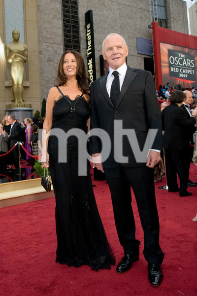"""The 81st Annual Academy Awards"" (Arrivals)Anthony Hopkins, Stella Arroyave02-22-2009Photo by Jon Didier © 2009 A.M.P.A.S. - Image 23704_0080"