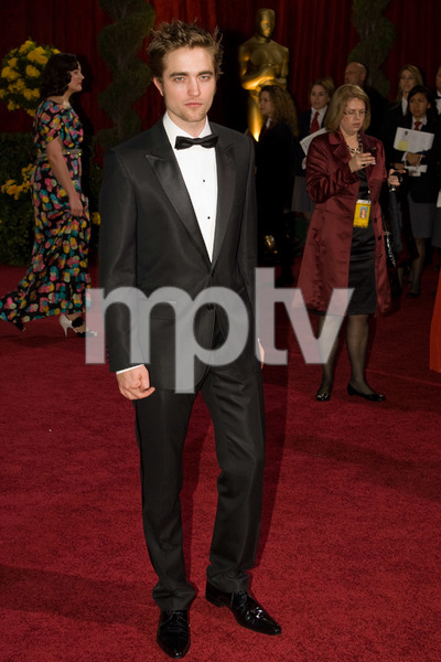 """""""The 81st Annual Academy Awards"""" (Arrivals)Robert Pattinson02-22-2009Photo by Bryan Crowe © 2009 A.M.P.A.S. - Image 23704_0107"""
