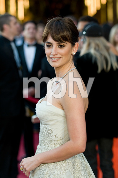 """The 81st Annual Academy Awards"" (Arrivals)Penelope Cruz02-22-2009Photo by Jon Didier © 2009 A.M.P.A.S. - Image 23704_0114"