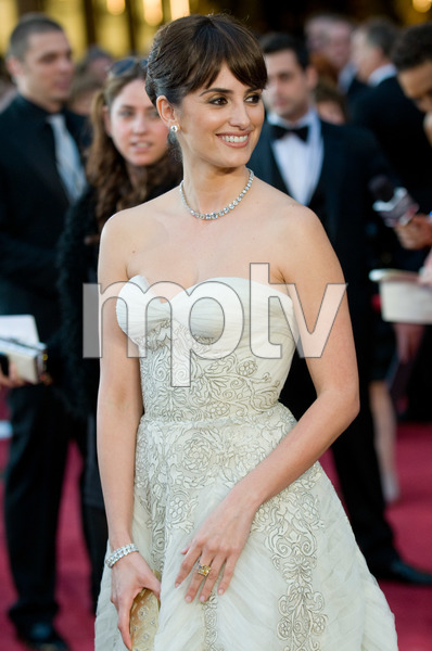 """""""The 81st Annual Academy Awards"""" (Arrivals)Penelope Cruz02-22-2009Photo by Jon Didier © 2009 A.M.P.A.S. - Image 23704_0115"""