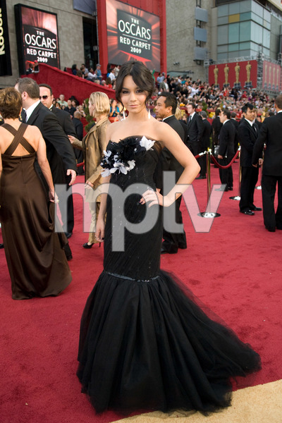 """""""The 81st Annual Academy Awards"""" (Arrivals)Vanessa Hudgens02-22-2009Photo by Jon Didier © 2009 A.M.P.A.S. - Image 23704_0139"""