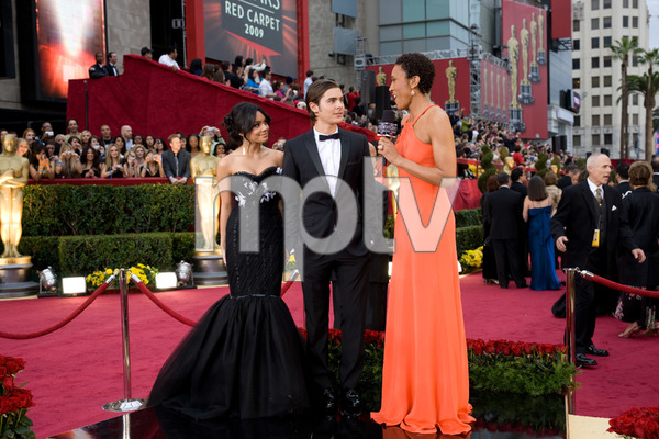 """The 81st Annual Academy Awards"" (Arrivals)Vanessa Hudgens, Zac Efron, Robin Roberts02-22-2009Photo by Armando Flores © 2009 A.M.P.A.S. - Image 23704_0169"