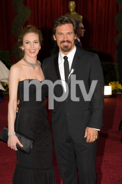 """""""The 81st Annual Academy Awards"""" (Arrivals)Diane Lane, Josh Brolin02-22-2009Photo by Bryan Crowe © 2009 A.M.P.A.S. - Image 23704_0226"""