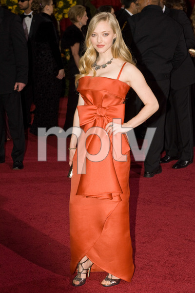 """""""The 81st Annual Academy Awards"""" (Arrivals)Amanda Seyfried02-22-2009Photo by Bryan Crowe © 2009 A.M.P.A.S. - Image 23704_0232"""