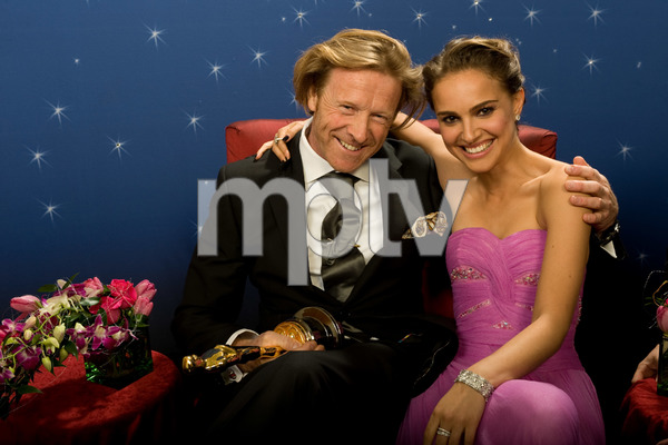 """""""The 81st Annual Academy Awards"""" (Backstage)Anthony Dod Mantle, Natalie Portman02-22-2009Photo by Todd Wawrychuk © 2009 A.M.P.A.S. - Image 23704_0273"""
