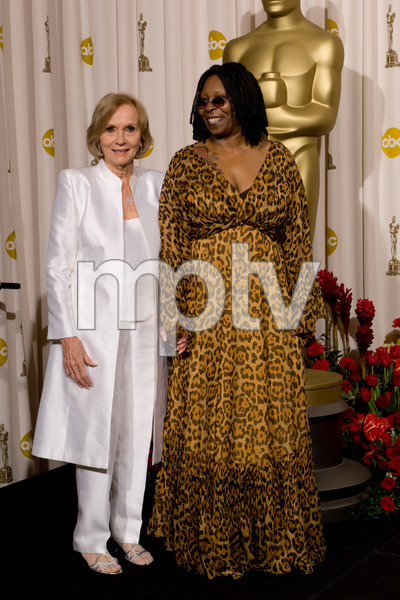 """""""The 81st Annual Academy Awards"""" (Press Room)Eva Marie Saint, Whoopi Goldberg02-22-2009Photo by Bryan Crowe © 2009 A.M.P.A.S. - Image 23704_0283"""