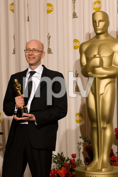 """""""The 81st Annual Academy Awards"""" (Press Room)Chris Dickens02-22-2009Photo by Bryan Crowe © 2009 A.M.P.A.S. - Image 23704_0297"""