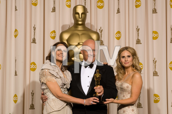 """The 81st Annual Academy Awards"" (Press Room)Sally Ledger, Kim Ledger, Kate Ledger02-22-2009Photo by Bryan Crowe © 2009 A.M.P.A.S. - Image 23704_0318"