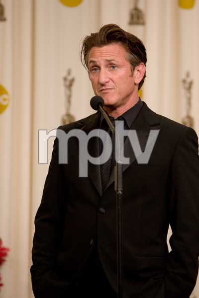 """The 81st Annual Academy Awards"" (Press Room)Sean Penn02-22-2009Photo by Richard Salyer © 2009 A.M.P.A.S. - Image 23704_0331"
