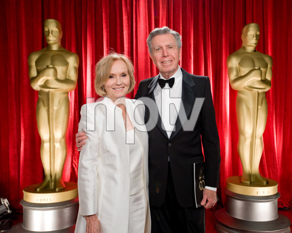 """The 81st Annual Academy Awards"" (Backstage)Eva Marie Saint, Jeffrey Hayden02-22-2009Photo by Michael Yada © 2009 A.M.P.A.S. - Image 23704_0340"