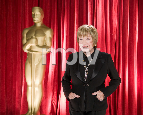 """""""The 81st Annual Academy Awards"""" (Backstage)Shirley MacLaine02-22-2009Photo by Michael Yada © 2009 A.M.P.A.S. - Image 23704_0356"""