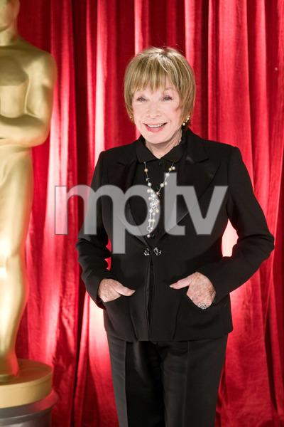 """""""The 81st Annual Academy Awards"""" (Backstage)Shirley MacLaine02-22-2009Photo by Michael Yada © 2009 A.M.P.A.S. - Image 23704_0358"""