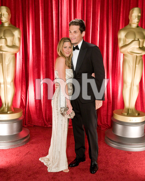 """The 81st Annual Academy Awards"" (Backstage)Jennifer Aniston, John Mayer02-22-2009Photo by Ivan Vejar © 2009 A.M.P.A.S. - Image 23704_0369"