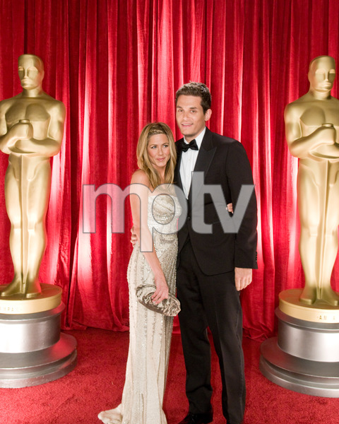 """The 81st Annual Academy Awards"" (Backstage)Jennifer Aniston, John Mayer02-22-2009Photo by Ivan Vejar © 2009 A.M.P.A.S. - Image 23704_0370"