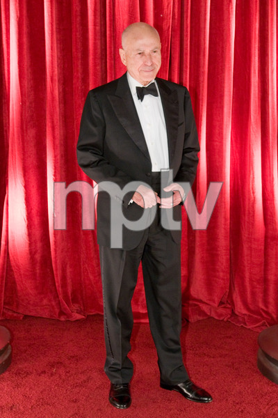 """""""The 81st Annual Academy Awards"""" (Backstage)Alan Arkin02-22-2009Photo by Ivan Vejar © 2009 A.M.P.A.S. - Image 23704_0372"""