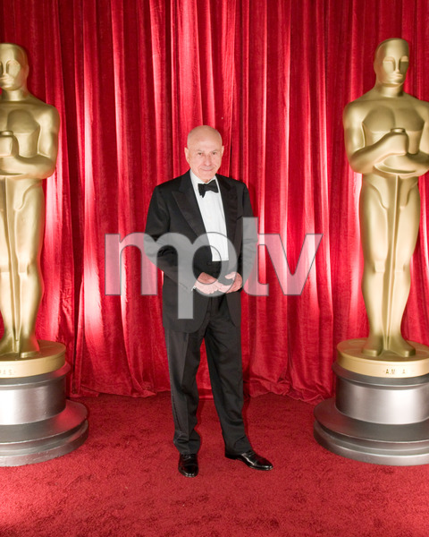 """""""The 81st Annual Academy Awards"""" (Backstage)Alan Arkin02-22-2009Photo by Ivan Vejar © 2009 A.M.P.A.S. - Image 23704_0373"""