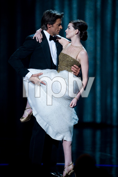 """""""The 81st Annual Academy Awards"""" (Telecast)Hugh Jackman, Anne Hathaway02-22-2009Photo by Michael Yada © 2009 A.M.P.A.S. - Image 23704_0449"""