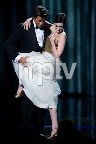 """""""The 81st Annual Academy Awards"""" (Telecast)Hugh Jackman, Anne Hathaway02-22-2009Photo by Michael Yada © 2009 A.M.P.A.S. - Image 23704_0450"""